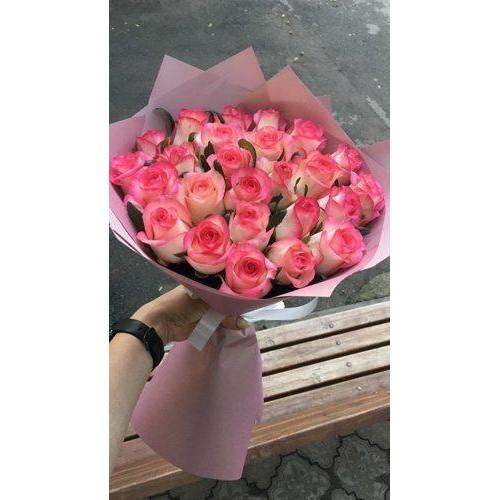 Букет из 25 роз Джумилия с упаковкой